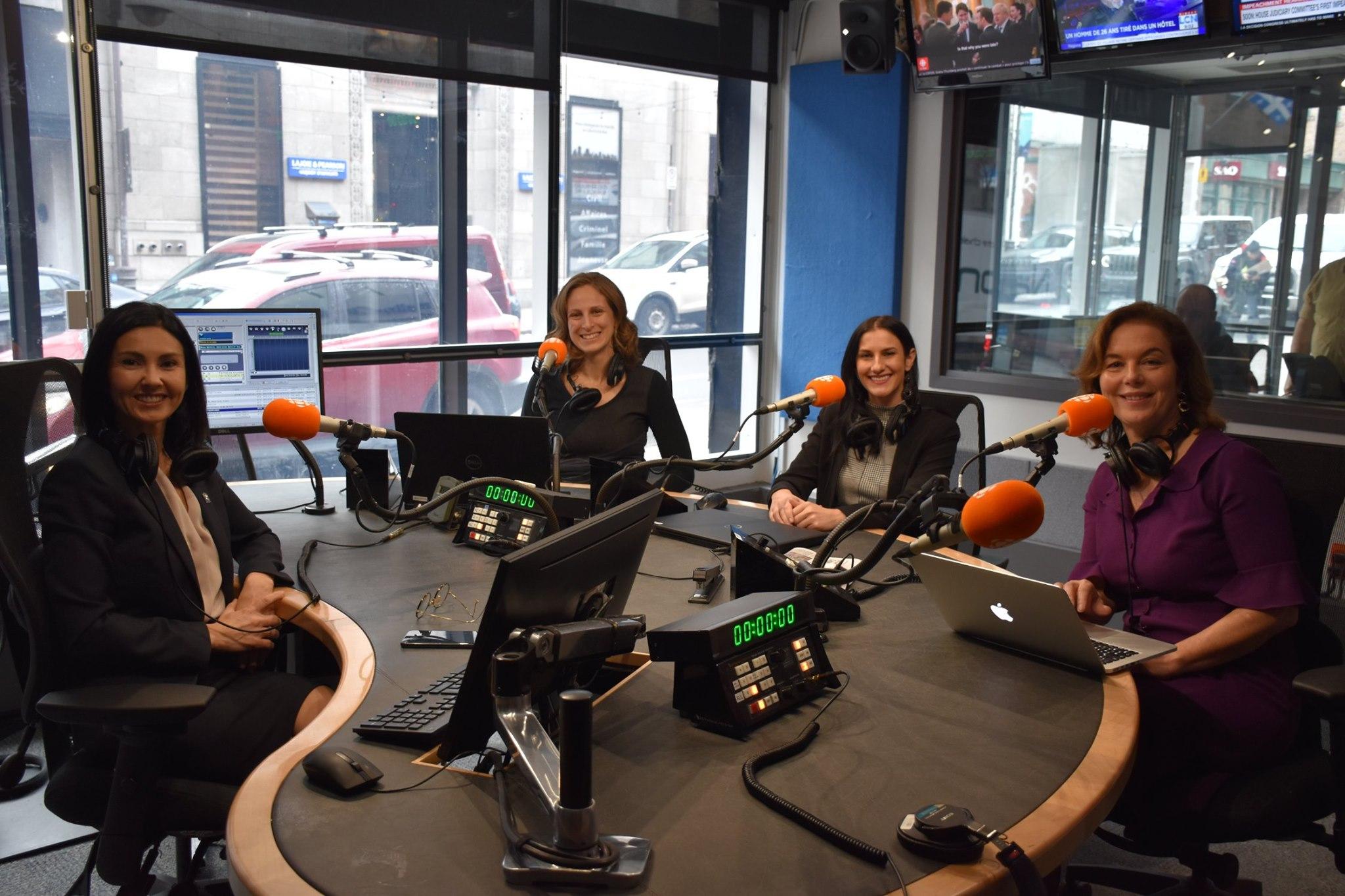 ICI PREMIÈRE: QUATRE DÉPUTÉES DE QUATRE PARTIS CONTRE LA CYBERINTIMIDATION ENVERS LES FEMMES